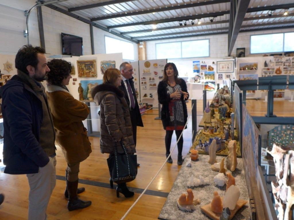 Visita de autoridades al Taller-Museo Santxotena